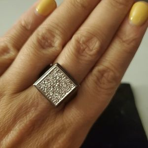 Jewelry - Ladie's cocktail ring